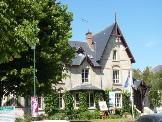 Maison de Loire et Office du Tourisme à Jargeau