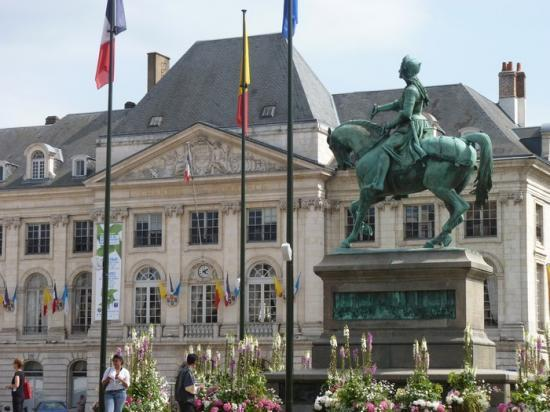Orléans: La statue de Jeanne d'Arc