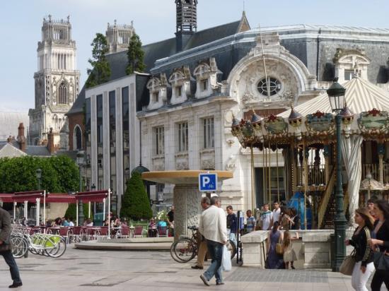 Orléans: Place du Martroi